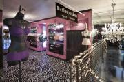 The interior of Estilo Boutique.