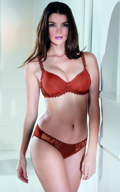 New Color Arabian Spice in the Scarlett group, part of Anita�s Rosa Faia division, A/W 2013