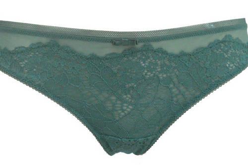 A 2012-2013 lingerie style by Parah.