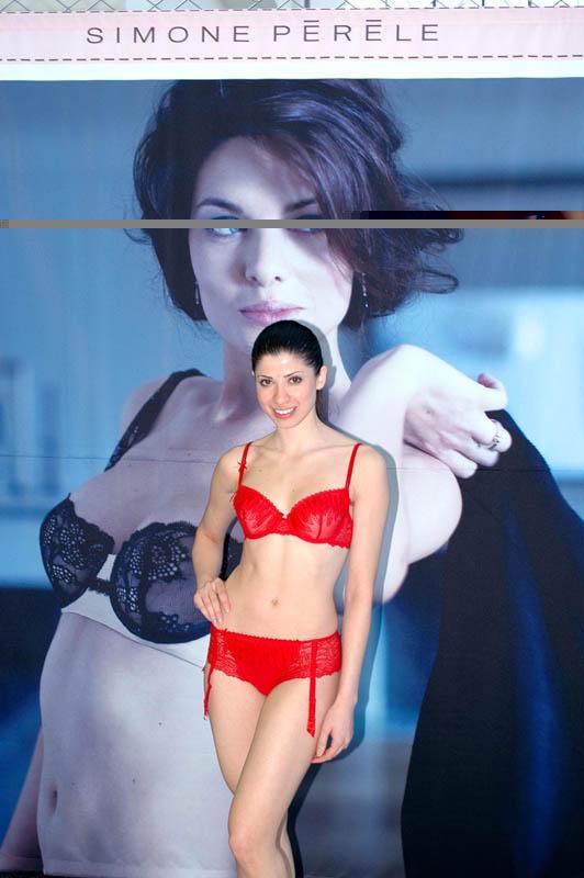 Simone Péréle Model.