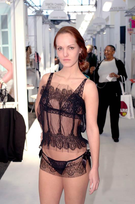 Les Jupons de Tess model Caroline Tannous.