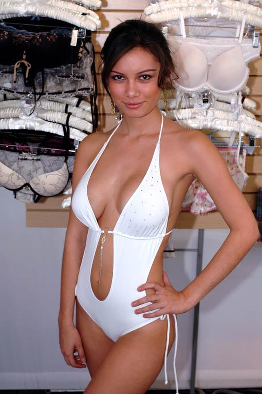 Rosabella model.