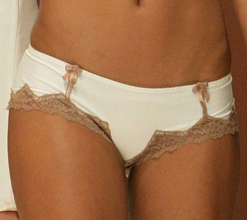 Made In Femmes: Cream shorty.