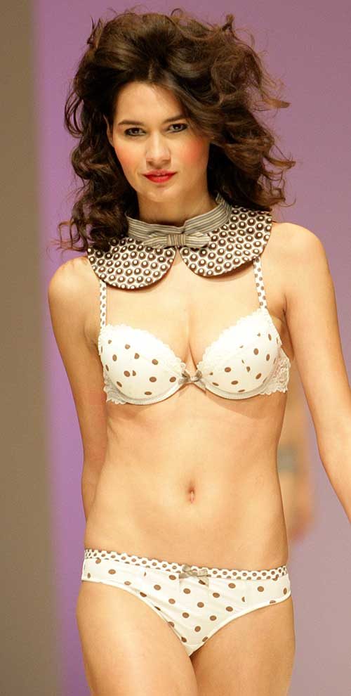 Daniel Hechter: Cream polka dot bra and string.