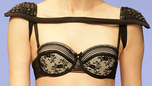Gracija Rim: Black and white bra.
