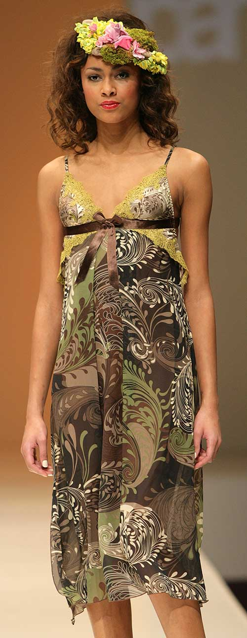 Parah: Vegetal printed dress.