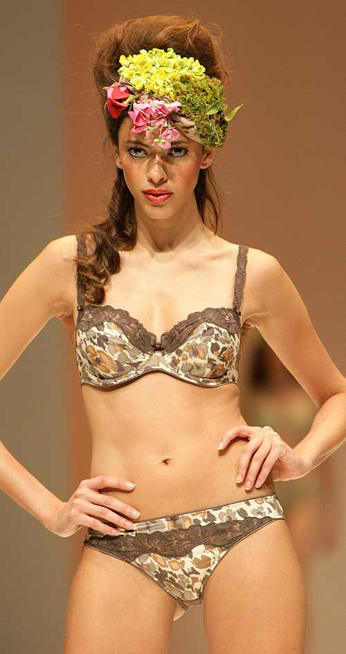 Conturelle: Printed brown and khaki bra and brief.