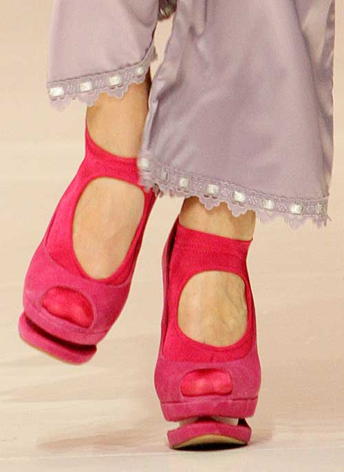Jolie Princesse: Mauve pajama bottoms.