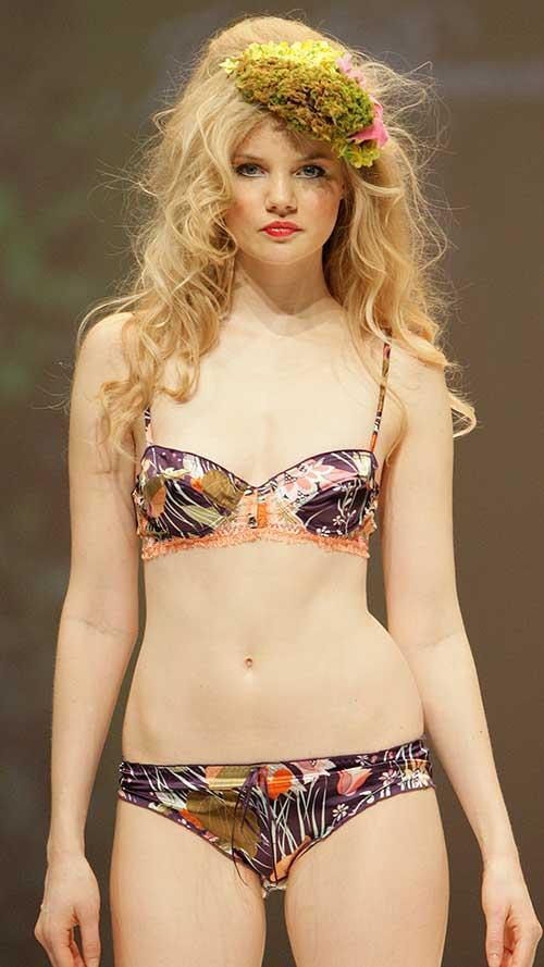 Jolie Princesse: Floral bra and brief.
