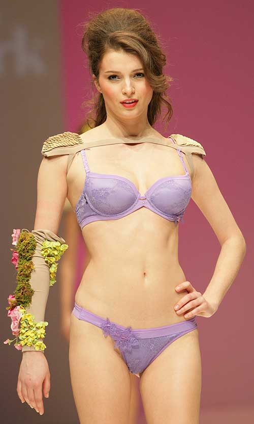 Selmark: Mauve bra and Brazilian brief.